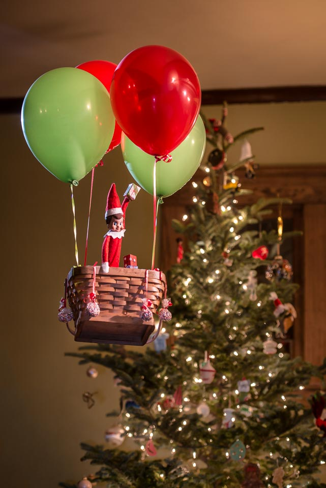 elf-on-the-shelf-ballooning
