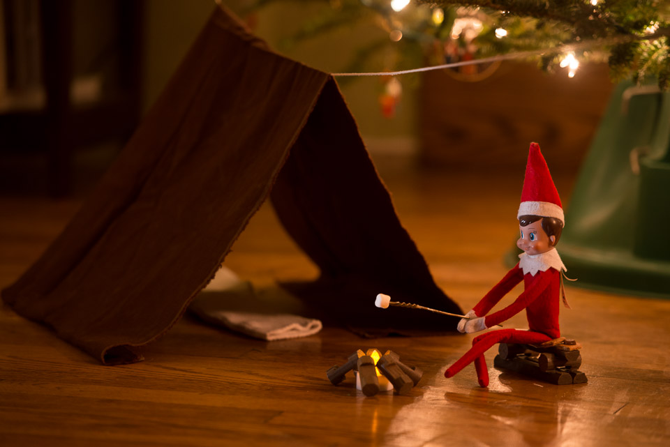 elf-on-the-shelf-camping
