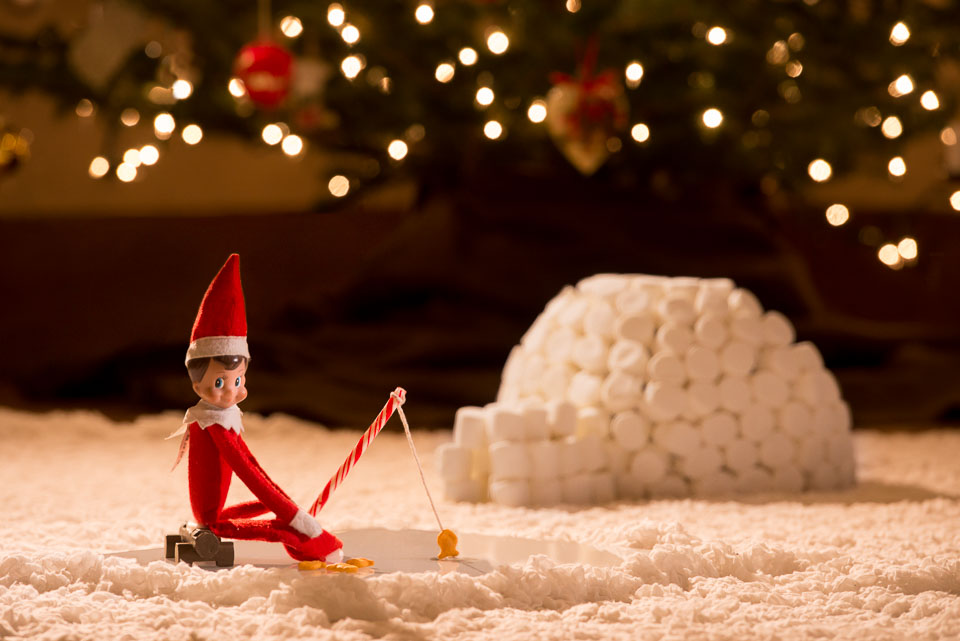 elf-on-the-shelf-ice-fishing-igloo