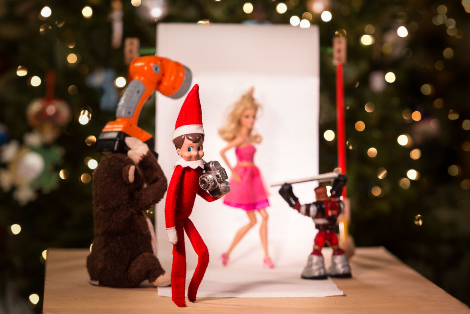 elf-on-the-shelf-photographer