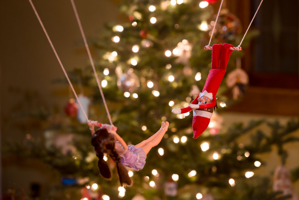 elf-on-the-shelf-trapeze