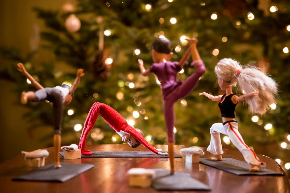 yoga-elf-on-the-shelf