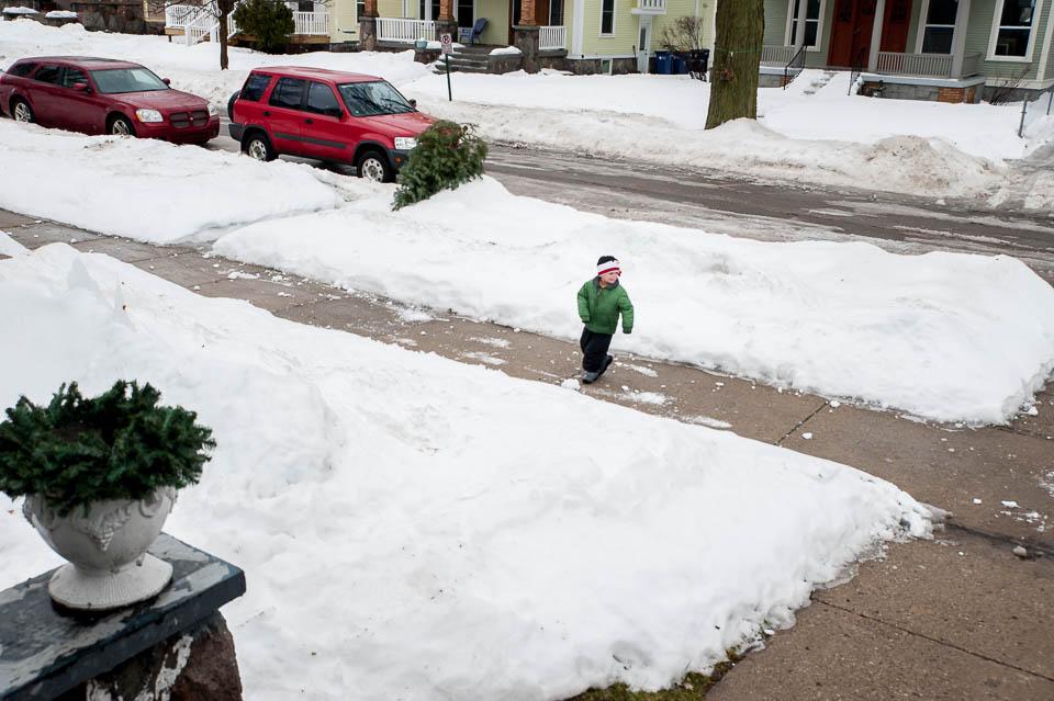 boy-in-snowball-fight
