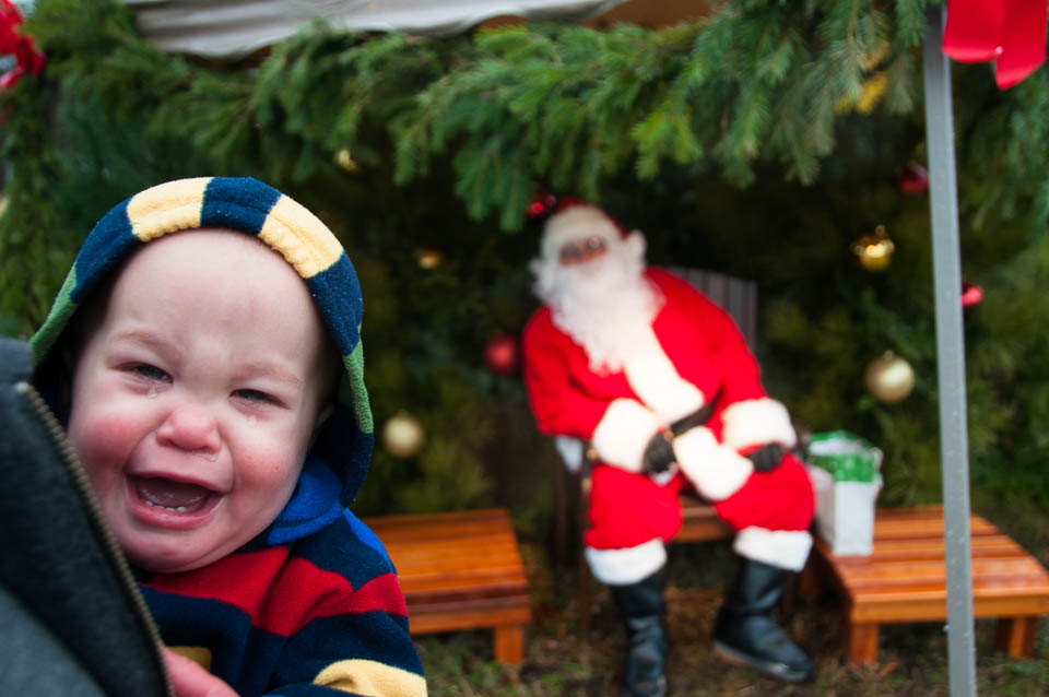 child-cries-near-santa