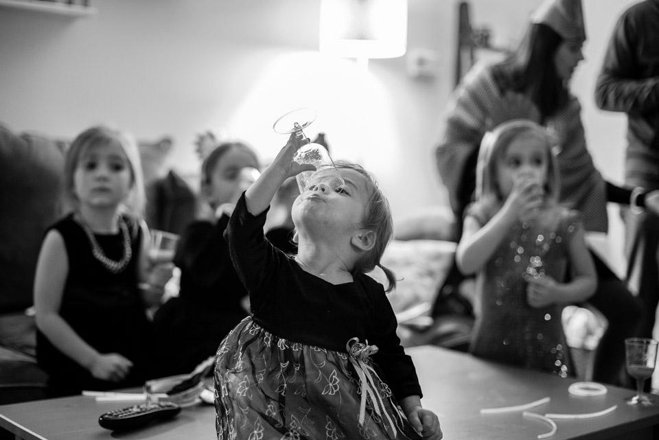 child-drinking-nonalcoholic-bubbly