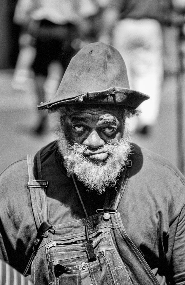 street-performer-new-orleans